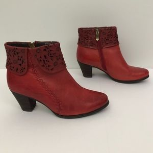 Spring Step L'Artiste Modella Red Ankle Boots GUC